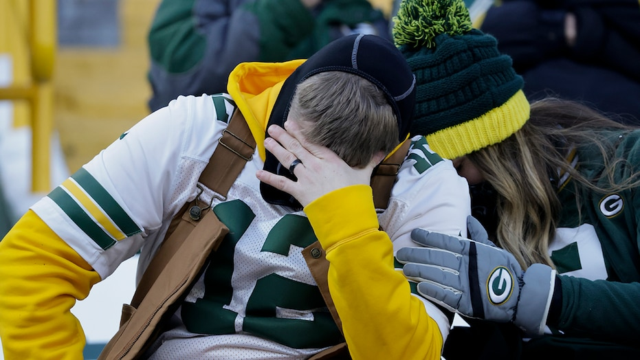 Packers on receiving end of pass interference call late in NFC Championship, fans erupt on social media