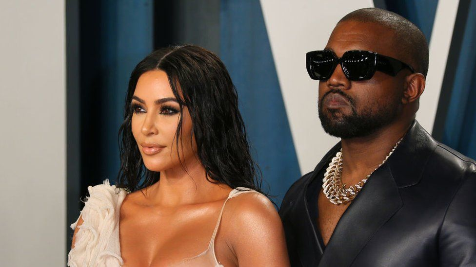 Kim Kardashian 'files to divorce Kanye West'